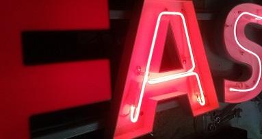 объемные световые буквы - популярная реклама